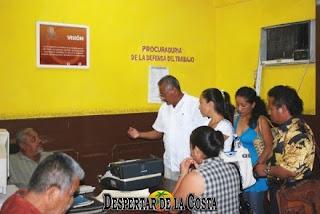 Un grupo de maestros de la primaria Netzhualcoyotl acuden a la JCLyA