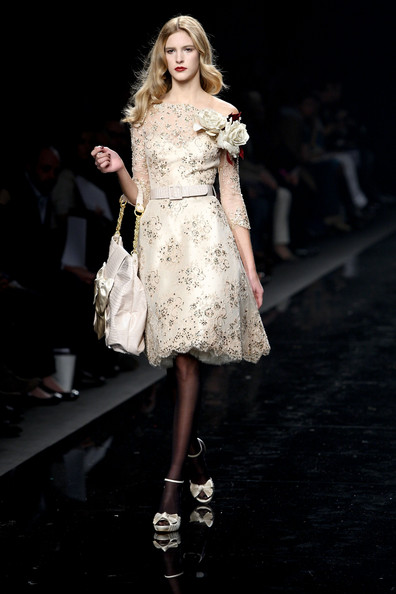 [Zuhair+Murad+Milan+Fashion+Week+Womenswear+NNtUQ4TV3o3l.jpg]