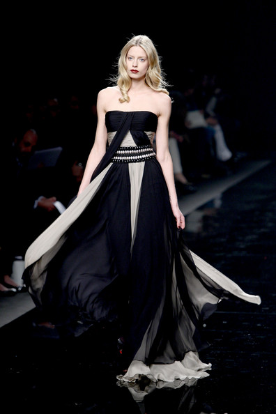 [Zuhair+Murad+Milan+Fashion+Week+Womenswear+ndbesmrnWl0l.jpg]