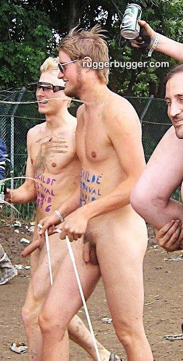 Deportistas de élite posan desnudos y tienen un