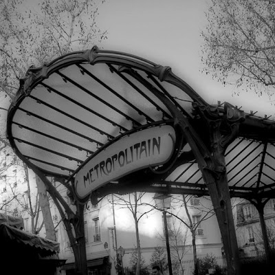 metro abbesses Paris, entrée de station, Hector Guimard, art nouveau, photo © dominique houcmant