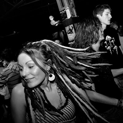 girl portrait de fille avec dreadlocks, Transardentes, Liège, photo © dominique houcmant