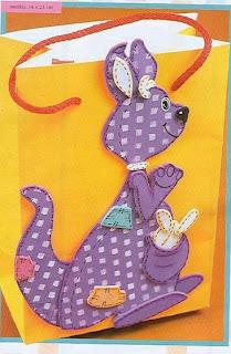 canguru1 719411 Canguru, dinossauro, esquilo, formiga, jacaré, rena, alce, tudo em feltro para crianças