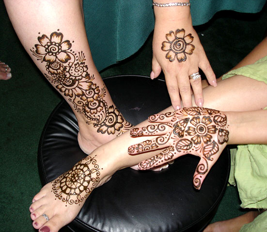 Mehndi Ceremony Cost : Pakistani mehndi indian arabic menhdi