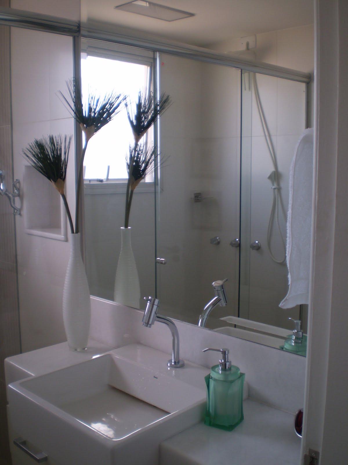 Interiores Jô Waismann: Reforma Banheiro Social Icaraí #5B5675 1200 1600
