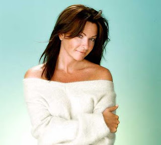 suzi perry off the shoulder jumper