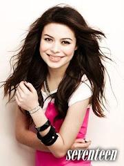 Miranda Cosgrove Seventeen 03