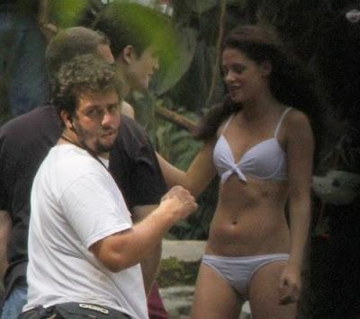 angela kinsey bikini_05. more kristen stewart bikini. Kristen Stewart Bikini.