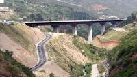 Anuncaron las estrellas lo que pasó en la inauguración del viaducto Caracas- La Guaira en Veenzuela de susana colucci