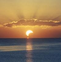 Lua Nova de setembro: Eclipse parcial de Sol. de susana colucci