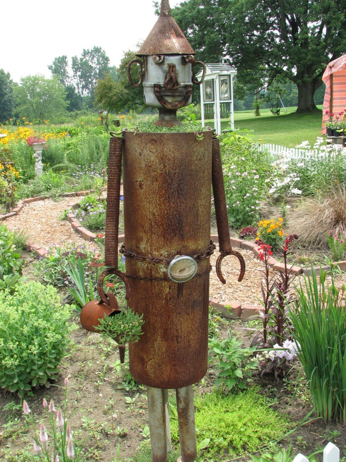 urban jumble tin man yard art