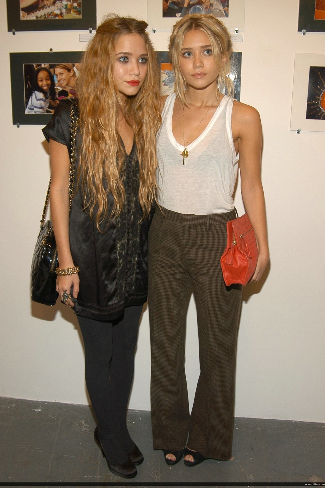 http://1.bp.blogspot.com/_jqDXCf91gfM/TJ7y0DhLlJI/AAAAAAAAAPc/A7konlj2eg4/s1600/mary-kate-and-ashley-olsen.jpg