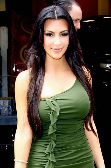 kkabc1 Kim Kardashian In Green Dress babes 