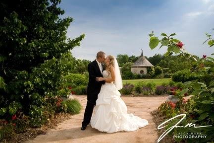 Jason Mann Photography Door County Photographer Rich Stephanie Wedding Botanical