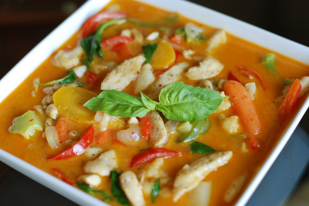 Flwoke flavors off the wok red curry with chicken thai for Best thai red curry