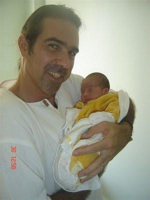 O pai, professor Guilherme Jenné com seu filho amado Pedro Krshna de Lima Jenné