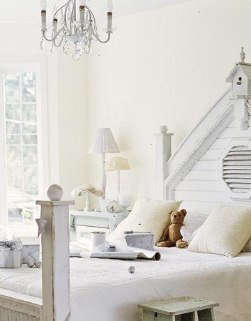 julehjem i ekte hvit shabby. Black Bedroom Furniture Sets. Home Design Ideas