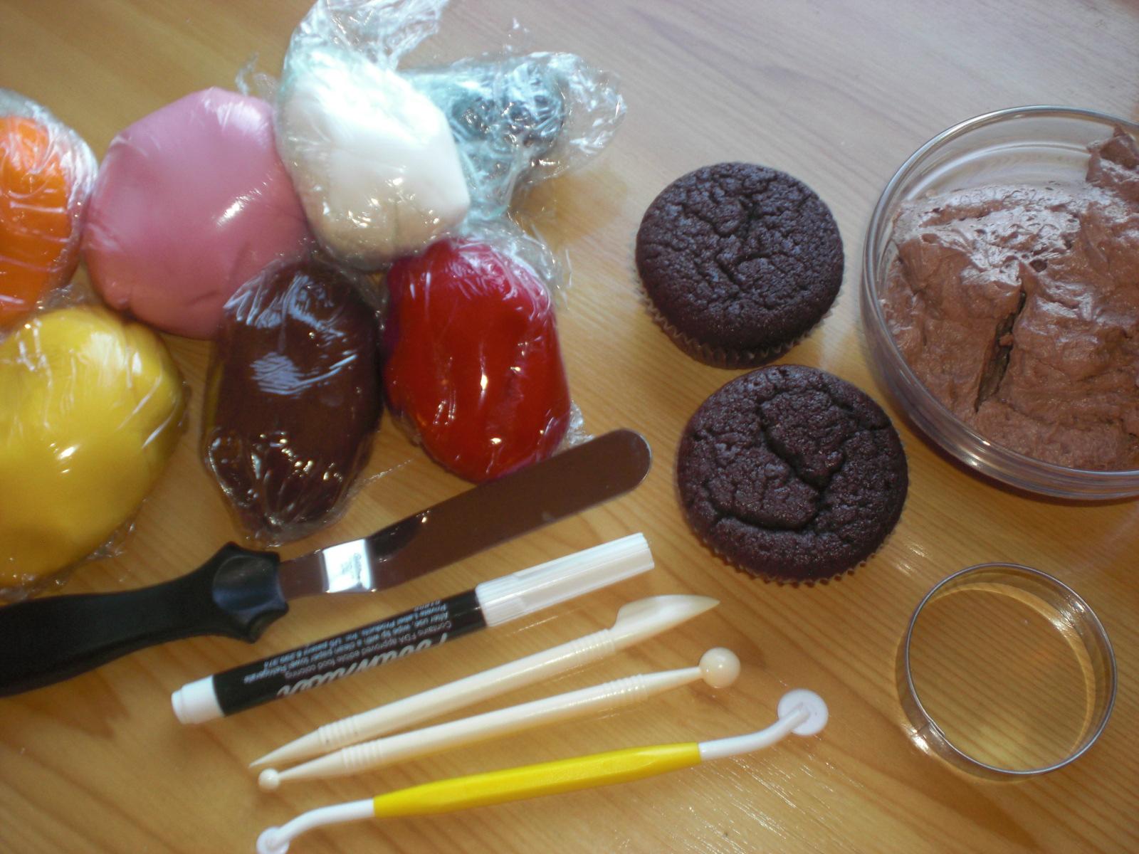 tegnet svart hvit cupcake