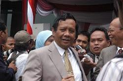 Prof. Dr. Mahfud MD,Ketua MK RI