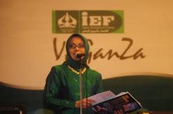 Marissa Haque Alumni, MC di Acara IEF Vaganza Fakultas Ekonomi Jurusan Syariah di Jakarta 2009 Lalu