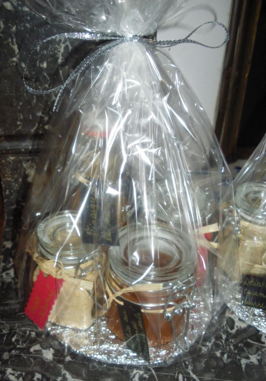 Une perruche en cuisine id es cadeaux pour no l cadeaux for Idee cadeau nouvelle maison
