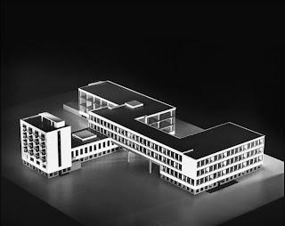 Histoire de l 39 art contemporain d 39 une cole l 39 autre l for Foto di design della casa con planimetria