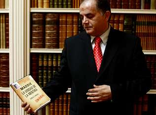 Amaral CAN Speak!  The 9 Questions That Carter-Ruck Don't Want Answered  Goncalo_in_suit