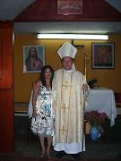 Monseñor ++Victor Hugo y su bella esposa.