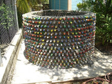 Tanque de agua hecho con botellas