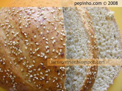 Pan de Emmental y sésamo