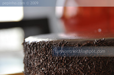 Tarta de mousse de chocolate a la lavanda