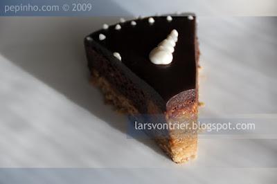 Mousse de chocolate y praliné al café
