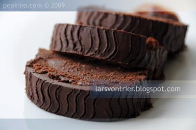 tronco de chocolate, frambuesa y vinagre balsámico