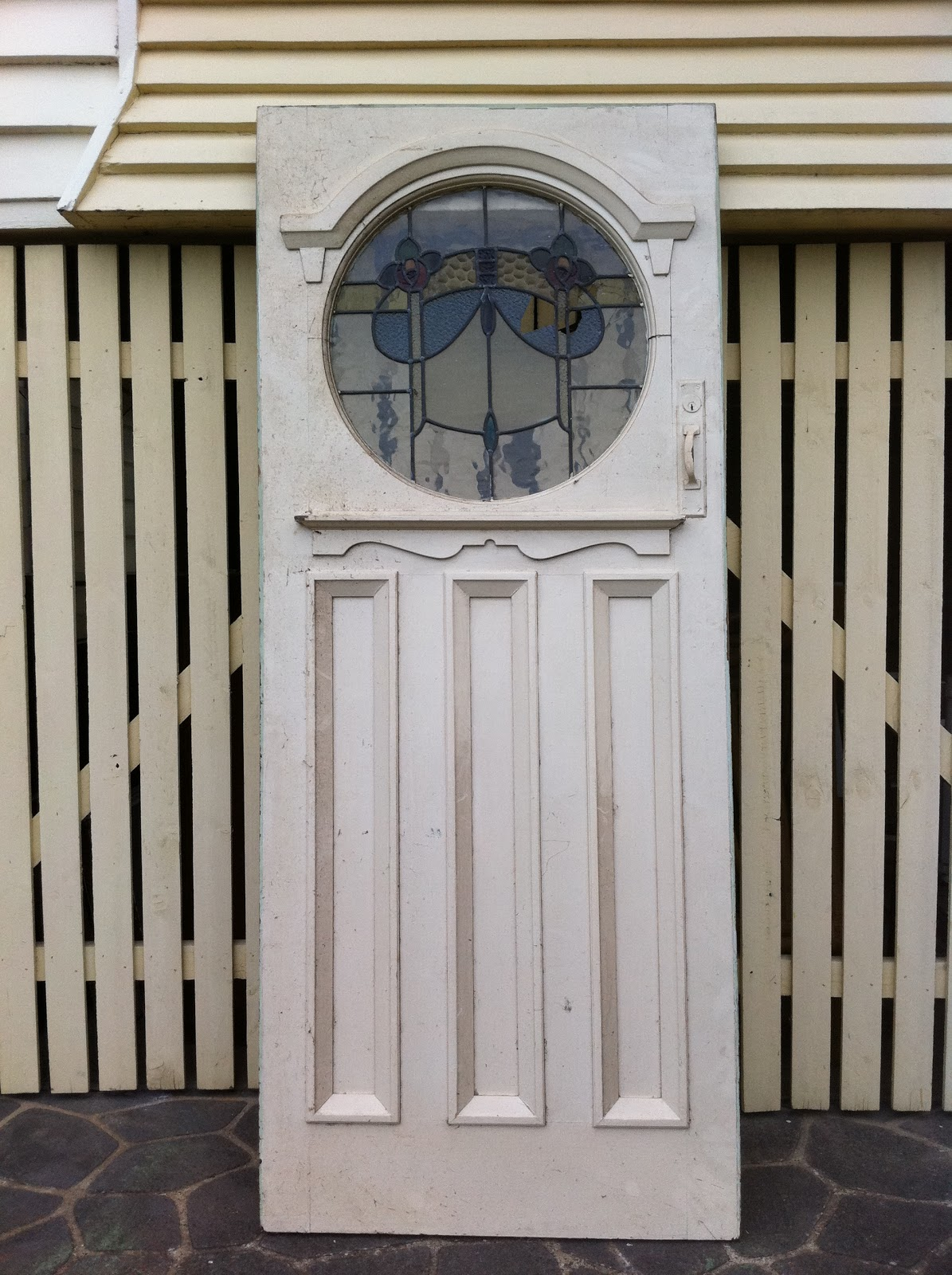 The old boathouse 14 chairs 1 door for Front door queenslander