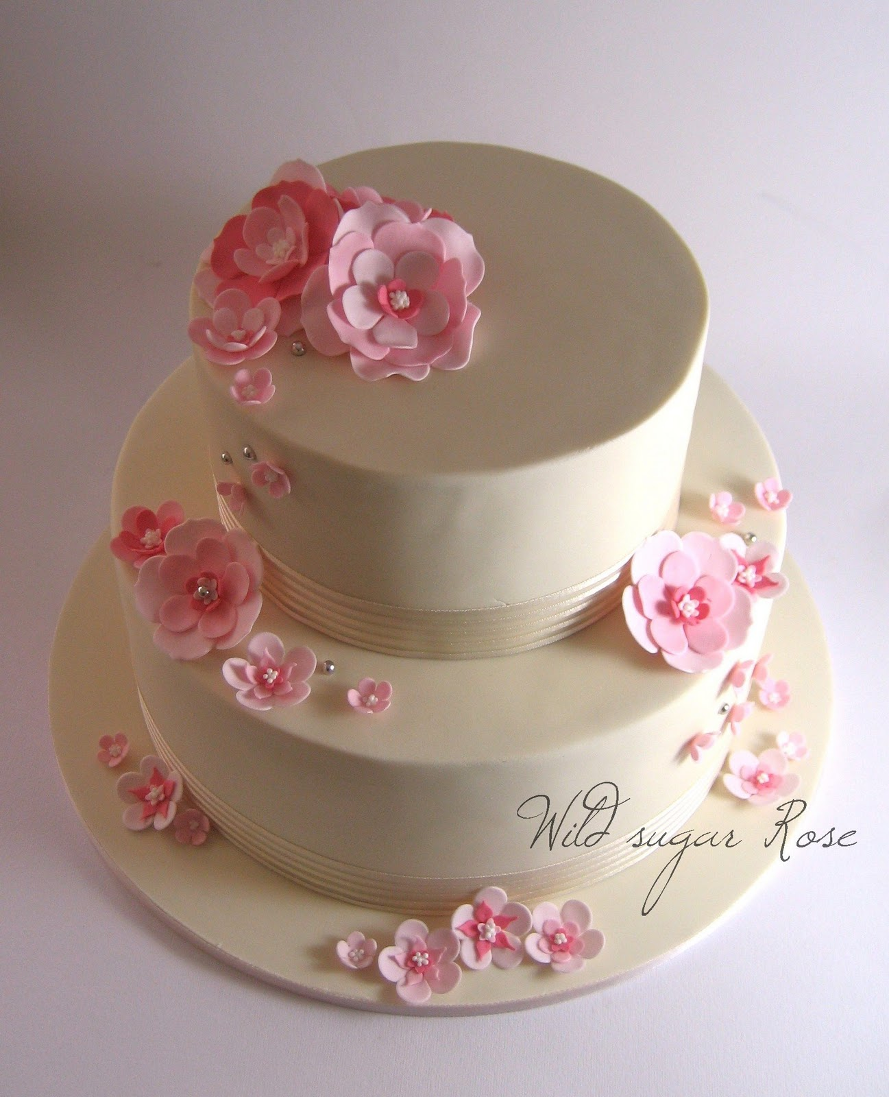 Sugar Rose Cake Design : Wild sugar Rose - wedding cakes, cupcakes and cake ...