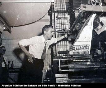 Lancamento+do+Ultima+Hora.+Samuel+Wainer+na+grafica.+SI.Foto+de+Junho+de+1951+ICO.UH.1757.jpg (342×285)