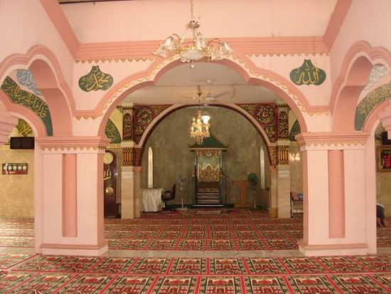 Mihrab mesjid yang berbentuk unik