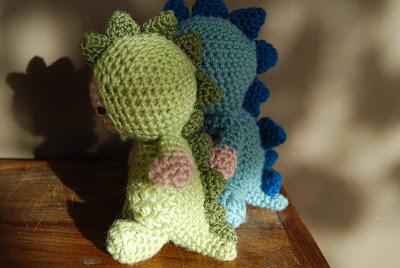 Free Crochet Pattern For Dinosaur Hat : CROCHET DINOSAUR PATTERN Crochet Patterns
