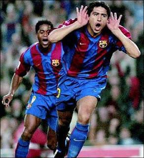 http://1.bp.blogspot.com/_k3kEWqTq_9s/Skuds0wwbrI/AAAAAAAADqY/8S0-Gc0zFR4/s320/juan-roman-riquelme-celebrando-gol-barcelona.jpg