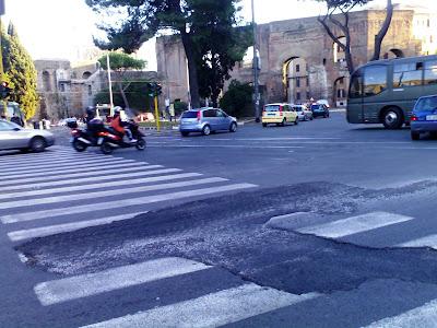 Il nuovo asfalto di Porta Maggiore? E' durato quattro mesi… Però poi…
