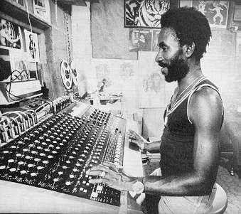 Lee Scratch Perry - Night Train