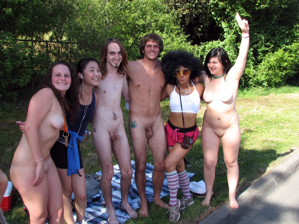 naked family in public