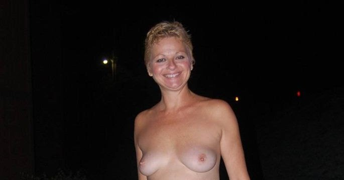 Nudist Women Photo of the Day 12/26/10 - GOOD NAKED