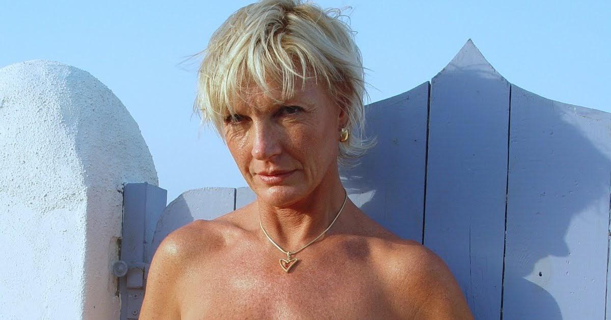 nudist women bonus photo of the day 12 29 10   good naked