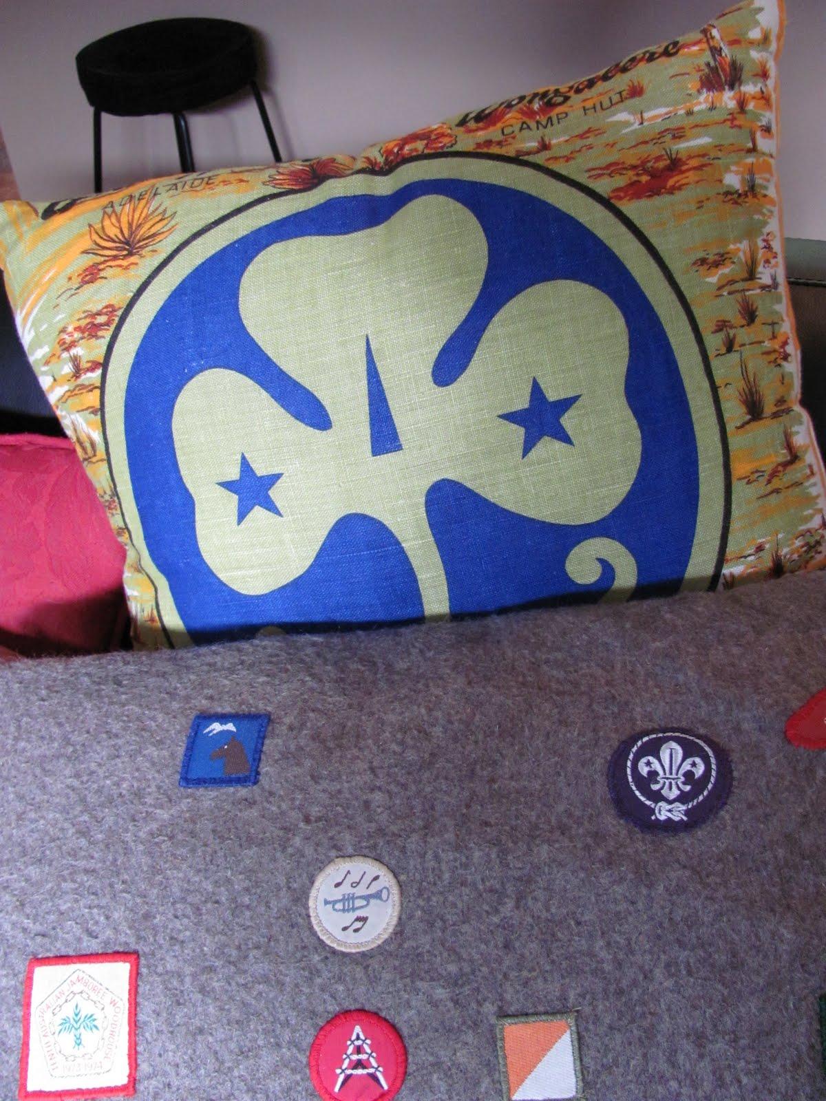 http://1.bp.blogspot.com/_k72ZY2zXc3o/TTjIeM6KE6I/AAAAAAAACp8/0t4djN9q8wY/s1600/cushions%252B023.JPG