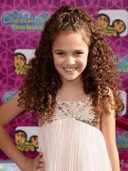 Esta es Sophie, la hija de Sam y Emily.