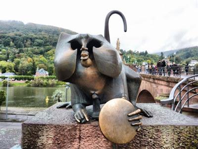 Mono del Puente de Heidelberg