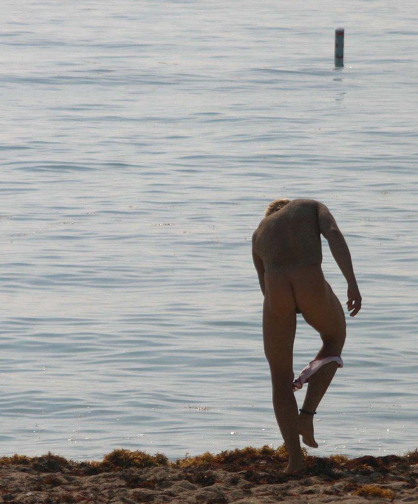 [beach_(3).jpg]