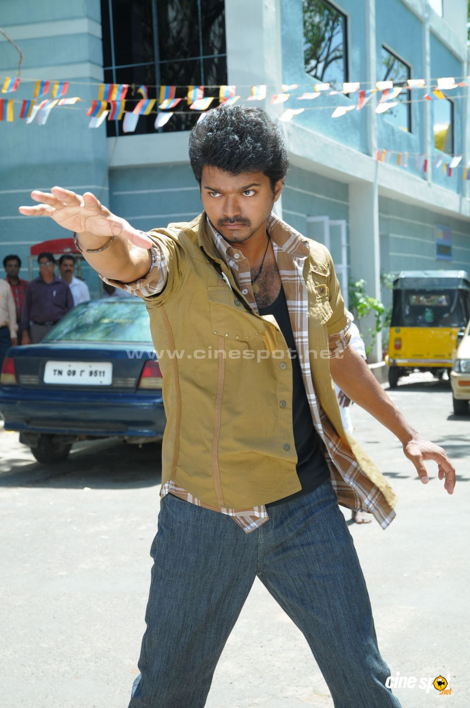 http://1.bp.blogspot.com/_kDArTinaNZk/TTsYTX0-BuI/AAAAAAAAAME/_FoACsLgPa0/s1600/Tamil+actor+Vijay+in+Vettaikaran+Photos.JPG