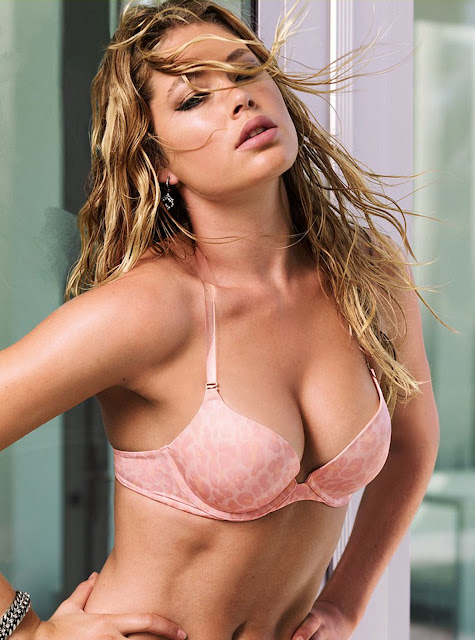 Doutzen Kroes Lingerie Photos Collection